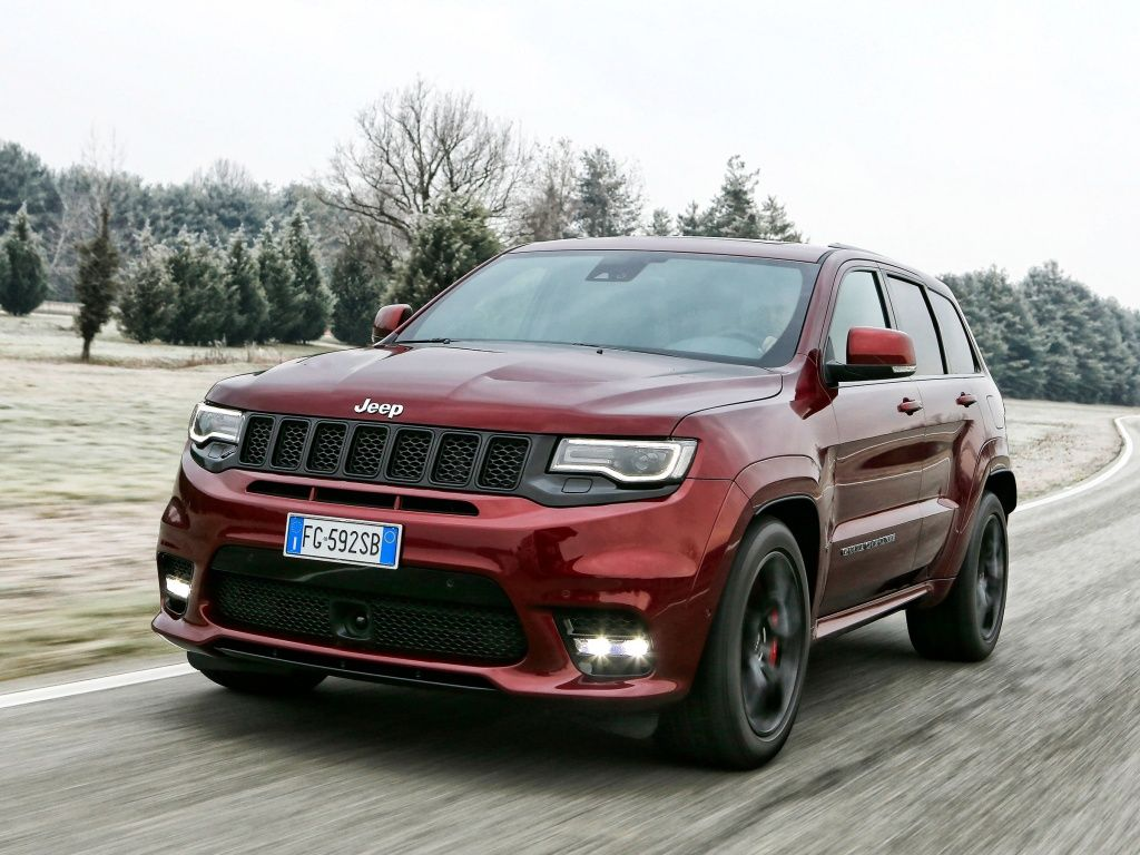 Jeep Grand Cherokee SRT фото автомобиля
