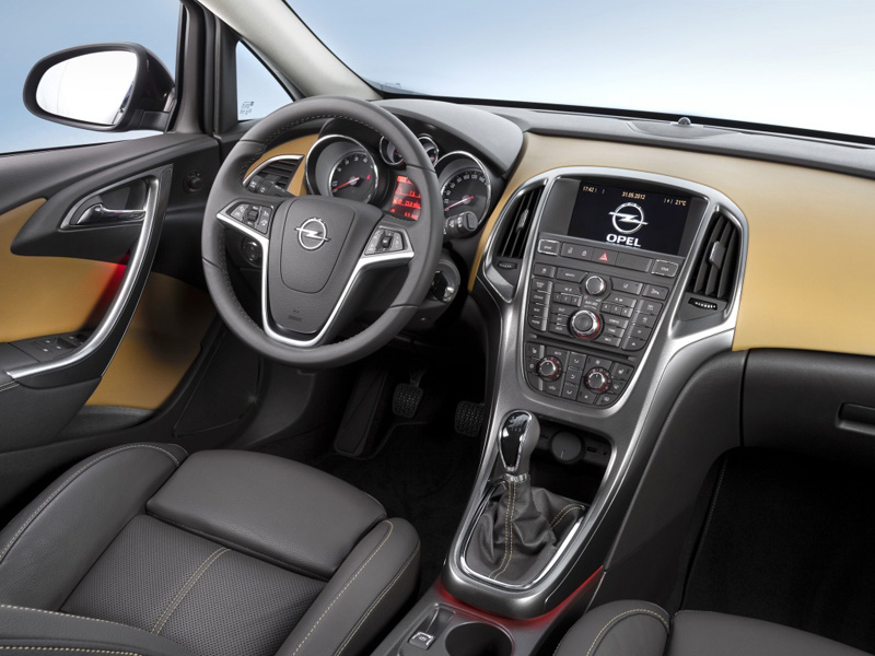Opel Astra седан 2012 года фото салона