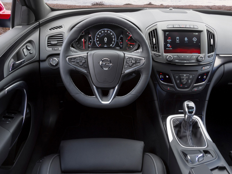 Opel Insignia OPC Sports Tourer 2014 года фото салона
