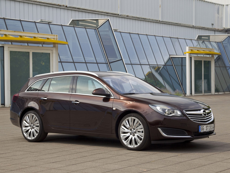 Opel Insignia Sports Tourer 2013 года фото автомобиля