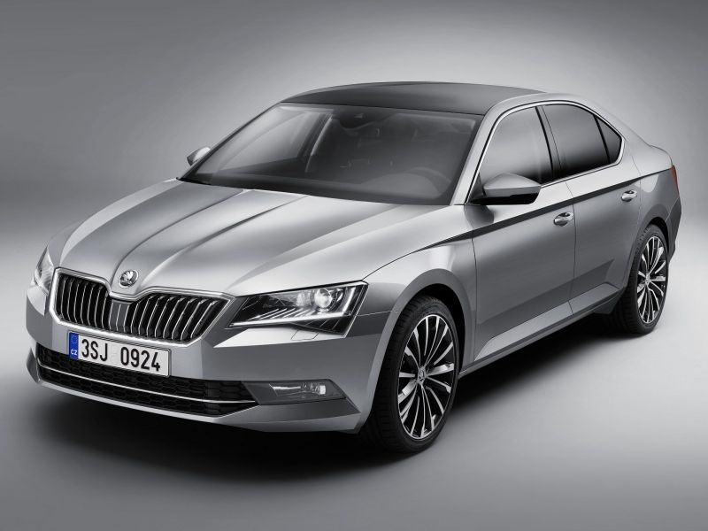 Škoda Superb фото автомобиля