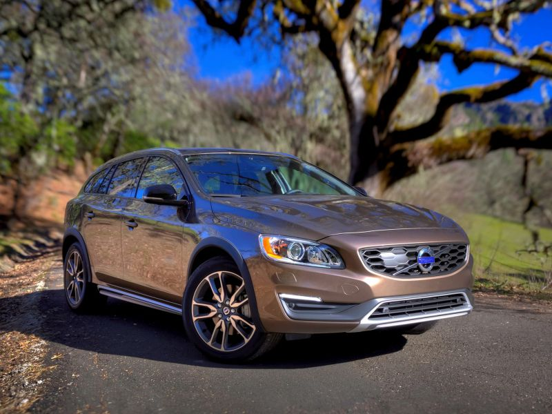 Volvo V60 Cross Country фото автомобиля
