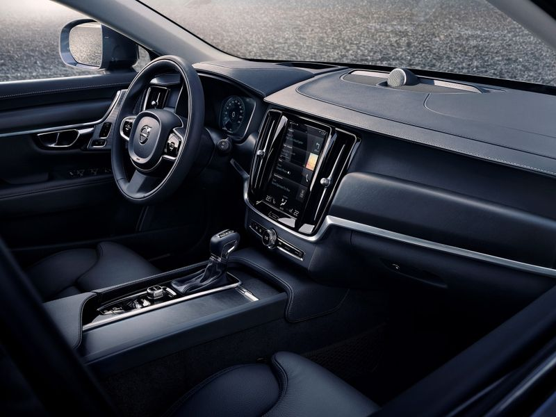 Volvo V90 Cross Country фото салона